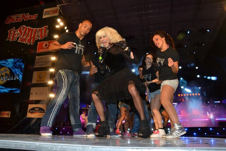 nuelle on stage with Donatella Rettore @ Festivalshow Italy